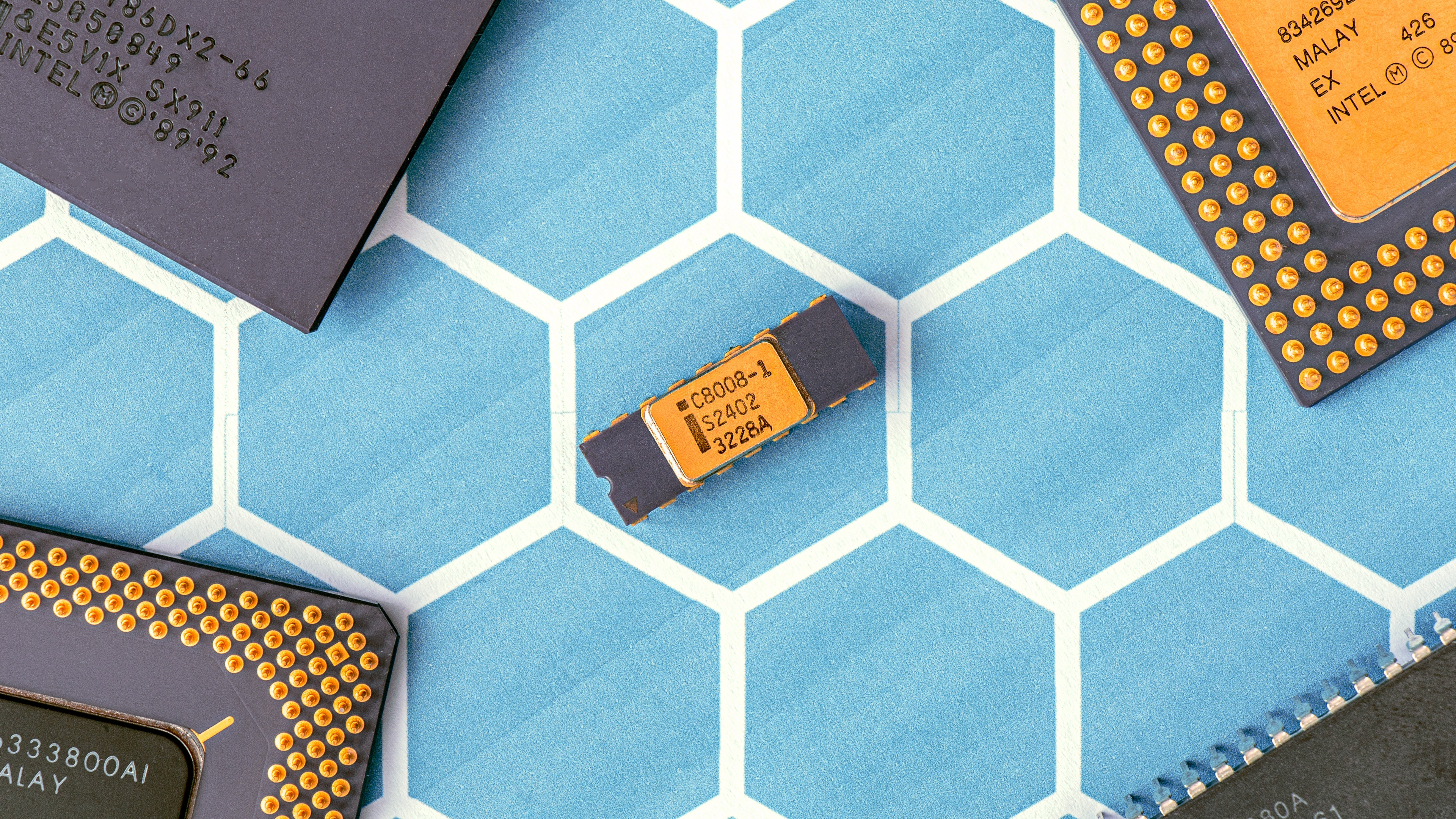 What is a Microprocessor and How Does it Work?